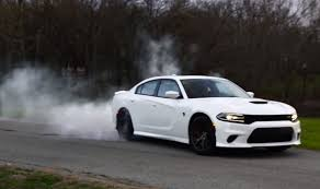 hellcat charger 2015 dodge charger hellcat does a burnout as break in procedure