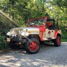 jurassic world jeep jurassic park jeep 18 wizard world comic con