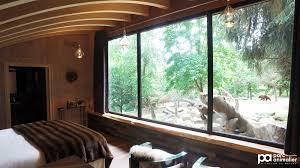 hotel avec dans la chambre pyrenees orientales nuit insolite dormir avec les ours parc animalier des pyrénées