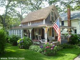 Cottage Curb Appeal - american country house photo album home interior and landscaping
