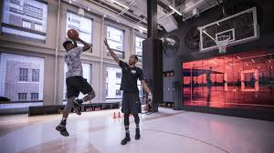 nike u0027s new store in new york has a basketball court where you can