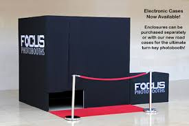 photo booth enclosure photo booth enclosures wi wedding photos photobooth