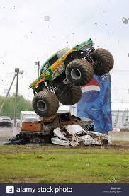 home samson4x4 com samson monster truck 4x4 racing avenger monster truck u2013 atamu