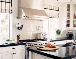 White Kitchen Cabinets With Black Countertops Charmant White Kitchen Cabinets With Black Countertops Wood Floor