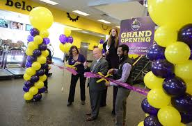 planet fitness thanksgiving hours planet fitness opens in former borders bookstore newstimes