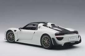 Porsche 918 Gt3 - white porsche 918 spyder weissach glossy white package autoart