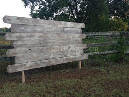Distressed Wood Headboard by Best 10 Queen Pallet Headboards Ideas On Pinterest Reclaimed