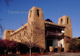 pueblo style architecture santa fé new mexico usa new mexico museum of art balcony on