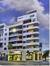 meriton appartments sydney meriton serviced apartments danks street waterloo sydney