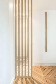 claustra bureau amovible un claustra en bois cache délicatement la salle de bains