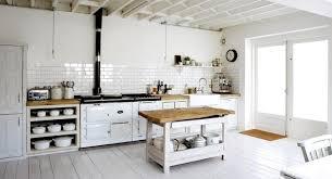 cuisine mur vert pomme cuisine mur vert cuisine bois clair mur vert with cuisine mur