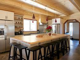 grand ilot de cuisine grand ilot de cuisine un lot de cuisine avec plan de travail est