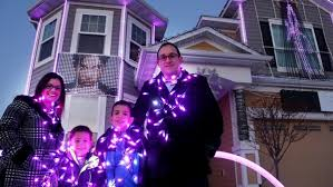 10 000 purple lights minnesota family honors prince with holiday