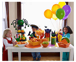 Kid Halloween Birthday Party Ideas by It U0027s Written On The Wall Fun Halloween Crafts And Party Ideas For