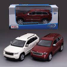 jeep cherokee toy 1 24 maisto jeep grand cherokee laredo metal alloy diecast model suv