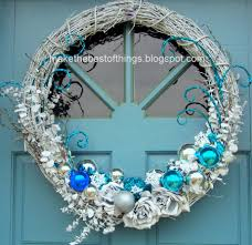 make the best of things blue and white wreath redo fourth go round