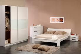 tapis chambre à coucher beautiful modele de chambre a coucher blanche ideas antoniogarcia
