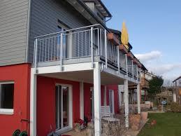 carport mit balkon was kostet ein carport mit balkon sonnensegel f r balkon und