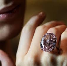 pink star diamond ring rekordpreis rosafarbener diamant für 83 millionen versteigert welt