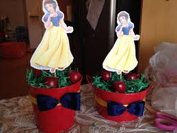 Centerpieces Birthday Tables Ideas by Best 25 Snow White Centerpiece Ideas On Pinterest Snow White