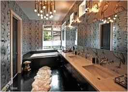 tapeten fã r badezimmer kronleuchter fur badezimmer luxus klassich badezimmer kronleuchter