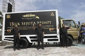 mitsubishi indonesia mitsubishi hino isuzu ud trucks grabs 97 23 market share in
