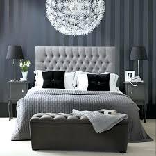 chambre avec papier peint tapisserie grise chambre tapisseries designs