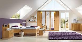 schlafzimmer mit dachschrge gestaltet schlafzimmer einrichten mit dachschrä boaster auf schlafzimmer