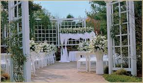 Waterfront Wedding Venues Long Island Luxury In Long Island Weddings At The Garden City Hotel Equally