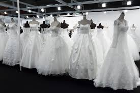 Wedding Designer Why You Should Wear An Rtw Wedding Gown Hizon U0027s Catering