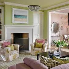 Photos HGTV - Floral accent chairs living room