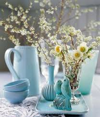 creative easter table setting ideas in blue and white to inspire