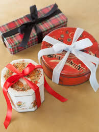 How To Gift Wrap A Present - how to wrap gifts in vintage cookie tins how tos diy