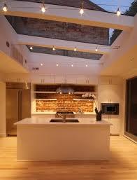 cuisine blanche parquet couleur mur avec cuisine blanche 8 cuisine avec verri232re