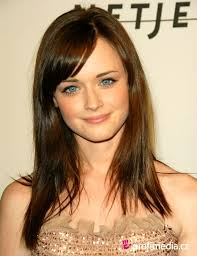 best hairstyle for large nose best hairstyle for big nose for lady hair styles for women with