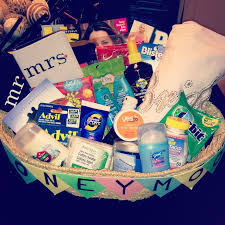 honeymoon shower gift ideas gift basket ideas housewarming honeymoon gift basket ideas