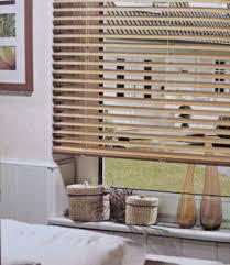 Haus Kaufen Wie Holzjalousien Weis Beeindruckend Jalousien Fur Jedes Fenster