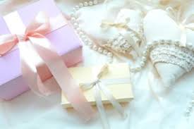 wedding gift etiquette wedding etiquette you must follow reader s digest