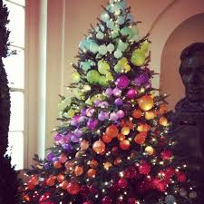 a gorgeous ombré christmas tree at the white house whsocial