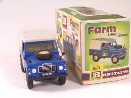 land rover britains britains 9571 land rover pine lodge stables blue b b ebay