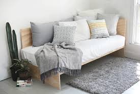 Diy Daybed Frame Diy Daybed 5 Ways To Make Your Own Diy Daybed Daybed And Plywood