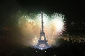 eiffel tower light show panicked parisians angered over netflix eiffel tower firework show