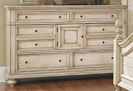 Antique White Bedroom Dressers Antique White 6 Piece King Bedroom Set Heritage Rc Willey