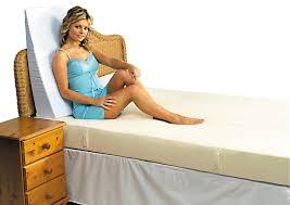 Bed Bath And Beyond Memory Foam Putnams Memory Foam Bed Wedge Amazon Co Uk Kitchen U0026 Home