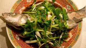 cuisine asiatique vapeur poisson vapeur à la cantonaise 粤式蒸鱼 le gastronome parisien