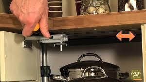 cuisine eggo eggo régler la façade de meuble tourniquet