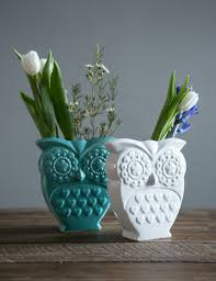 our retro porcelain owl vase looks sweet either on its own or