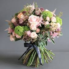 flower delivery london luxury bouquet of guelder same day luxury flower delivery