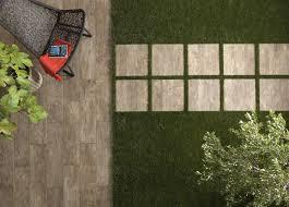 bloc marche escalier exterieur tablon bois pour exterieur bloc de poterie et carrelage