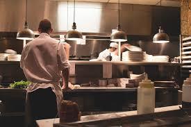 recrutement chef de cuisine restaurant et brigade qui fait quoi en cuisine emotions